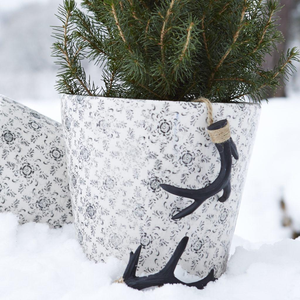 black-antler-decorations
