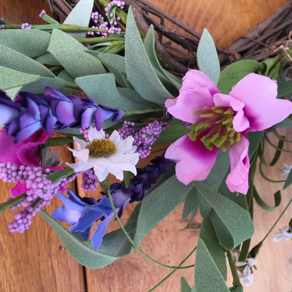 spring-meadow-wreath-close