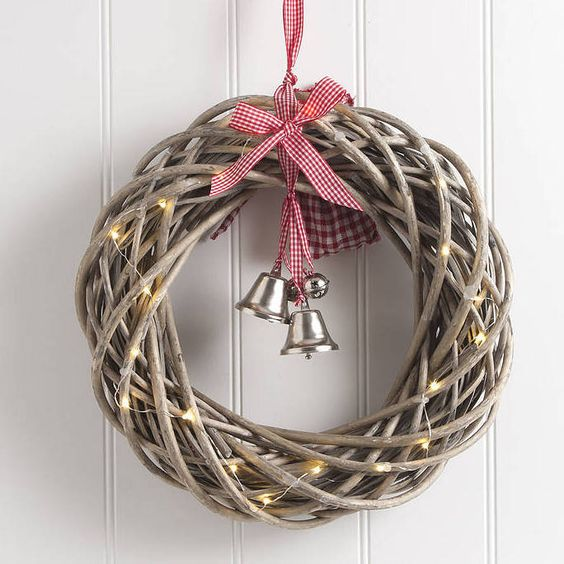 small-round-wicker-wreath