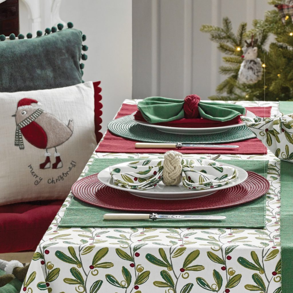 red-green-placemats